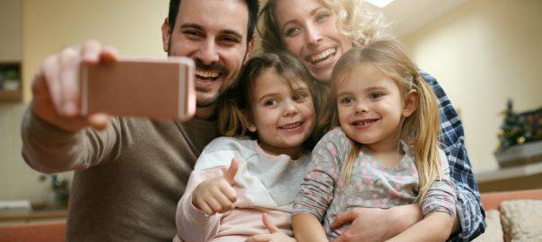 Tökéletes család - Gyöngyösi Család és KarrierPont